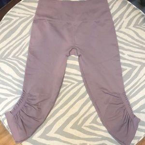 Lululemon Ebb to Street Capri leggings